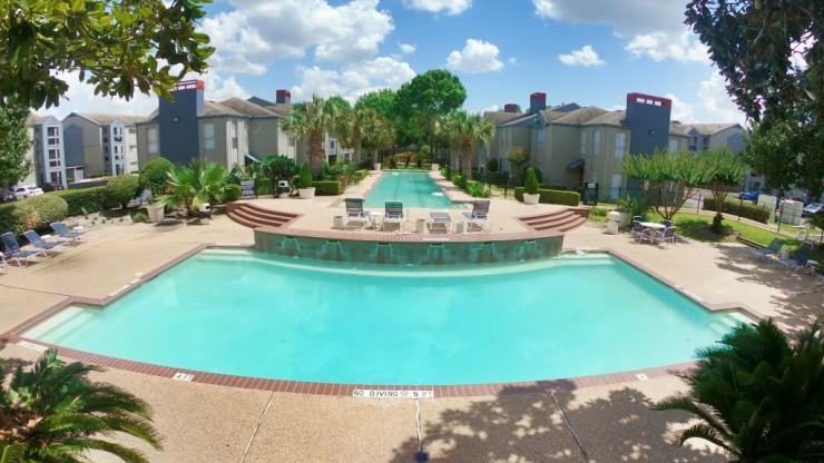 4 Swimming Pools